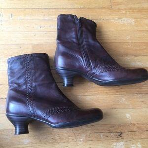LA CANADIENNE waterproof leather booties, EUC
